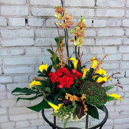 Цветочная композиция на стол: букеты цветов на заказ Flowwow