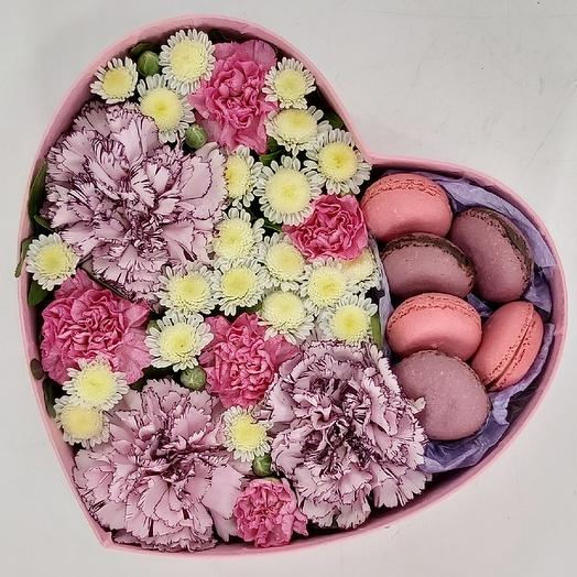 Heart with flowers and pink macarons