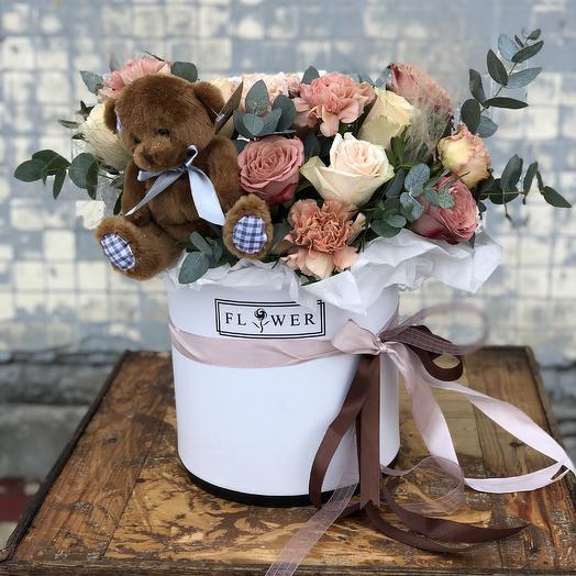 Мишка в цветах: букеты цветов на заказ Flowwow