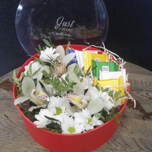 Набор из орхидей и шоколада