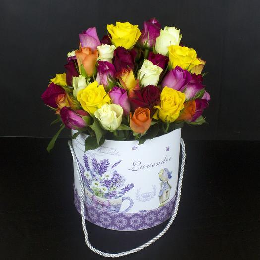 51 разноцветных роз в шляпной коробке