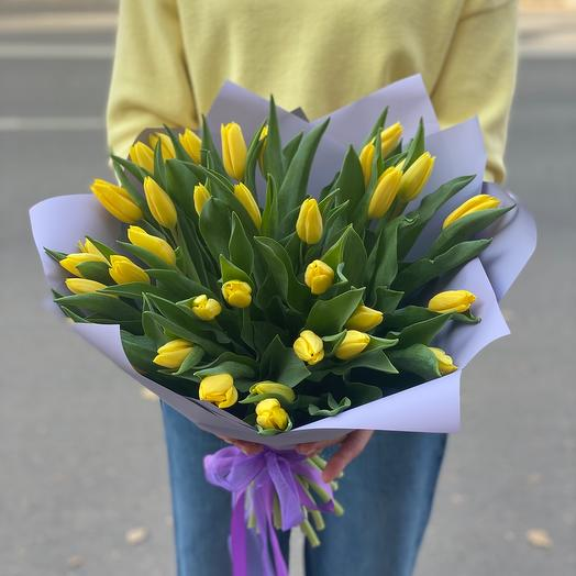 Монобукет из 35 тюльпанов сорта Strong Gold