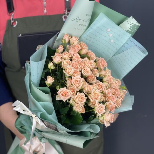 """Кустовая роза """"Свит Сара"""""""