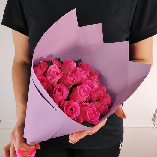 Букет из 19 Малиновых роз