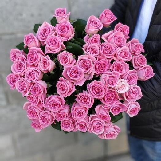 Букет из 51 розовой местной розы 50 см: букеты цветов на заказ Flowwow