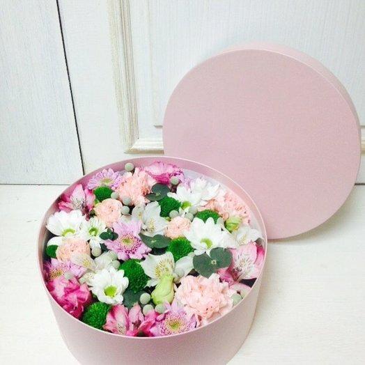 Коробочка с цвеатми: букеты цветов на заказ Flowwow