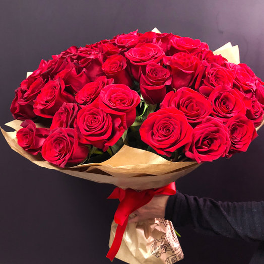 Букет из 51 красной Эквадорской розы: букеты цветов на заказ Flowwow