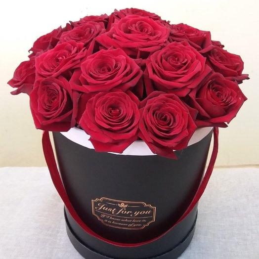 Коробка из 25 красных роз