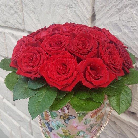19 роз в шляпной коробке