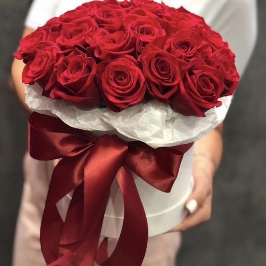 Восхитительная шляпная коробка из роз: букеты цветов на заказ Flowwow