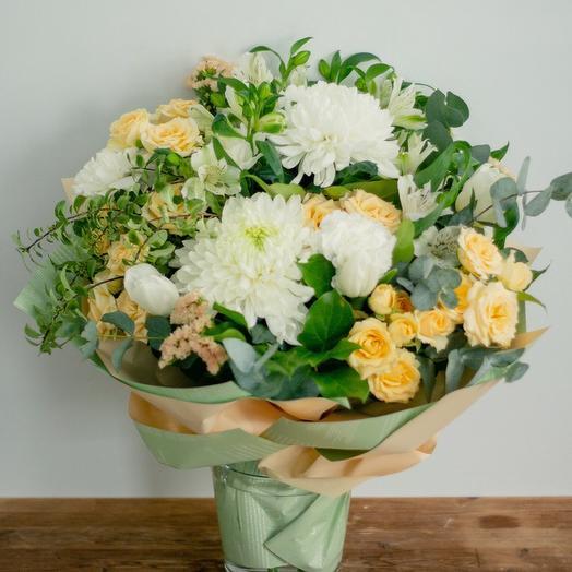 Свежесть весенней зелени: букеты цветов на заказ Flowwow