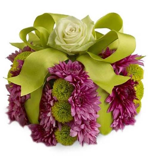 """Композиция из живых цветов """"Подарок"""": букеты цветов на заказ Flowwow"""