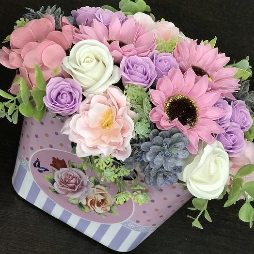 Композиция из мыльных роз в кашпо: букеты цветов на заказ Flowwow