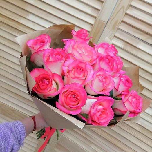 15 роз 50 см в оформлении