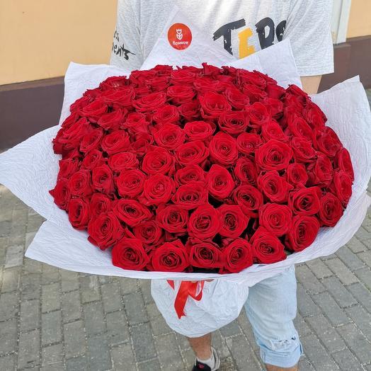 101 розы: букеты цветов на заказ Flowwow