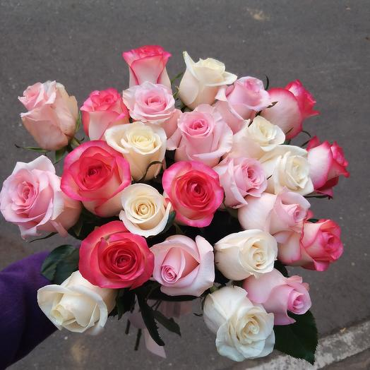 25 стойких роз микс