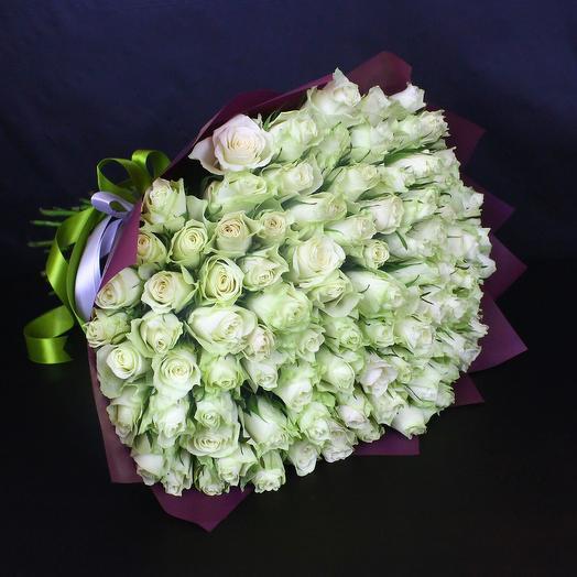 101 белая роза сорта Афина