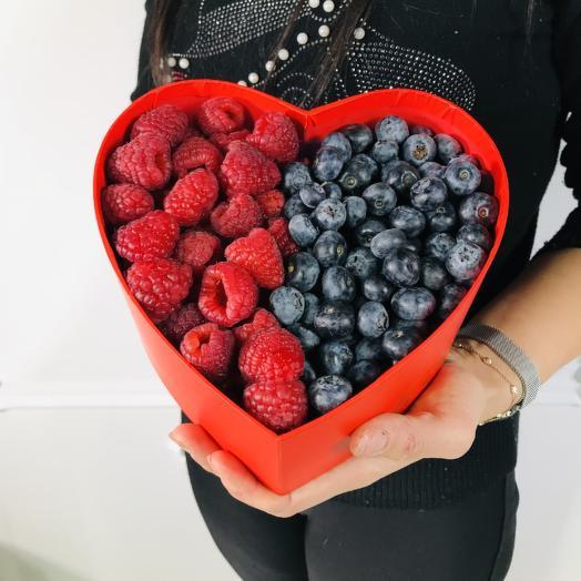 Коробка с ягодами(коробка конфет в подарок, условие в описании)