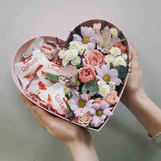 Цветочная композиция Love