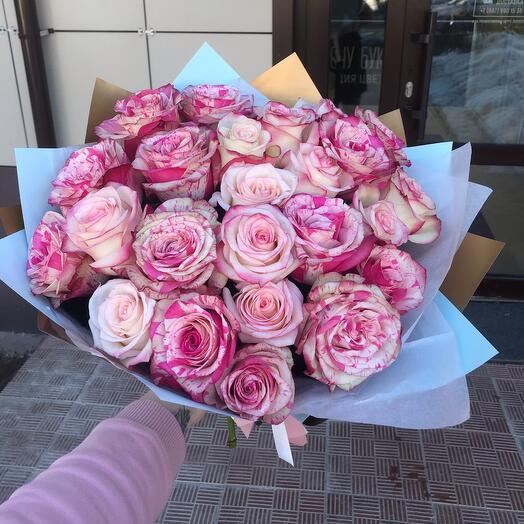 Букет микс розовые розы