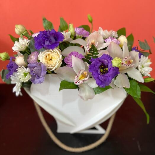 Цветы в коробке  Для  тебя💜