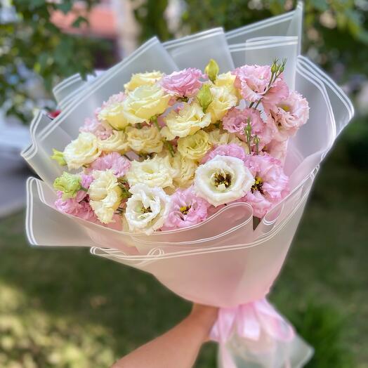 Букет нежных эустом лизиантус французская роза