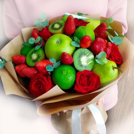 Букет из фруктов и роз «Ассоль»