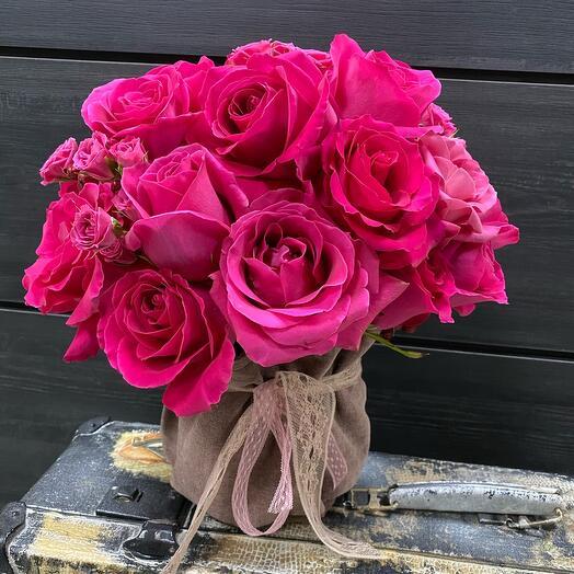 Цветы в мягком кашпо