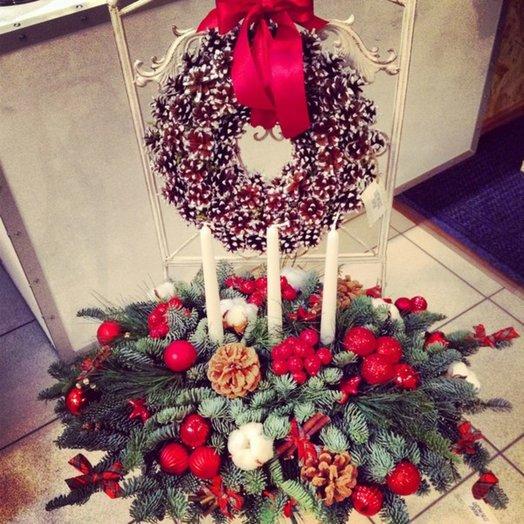 Новогодняя композиция Рождественский вечер: букеты цветов на заказ Flowwow