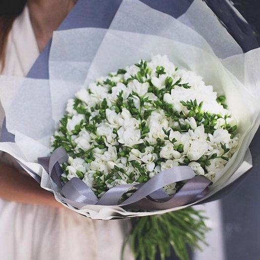 Белая Фрезия: букеты цветов на заказ Flowwow