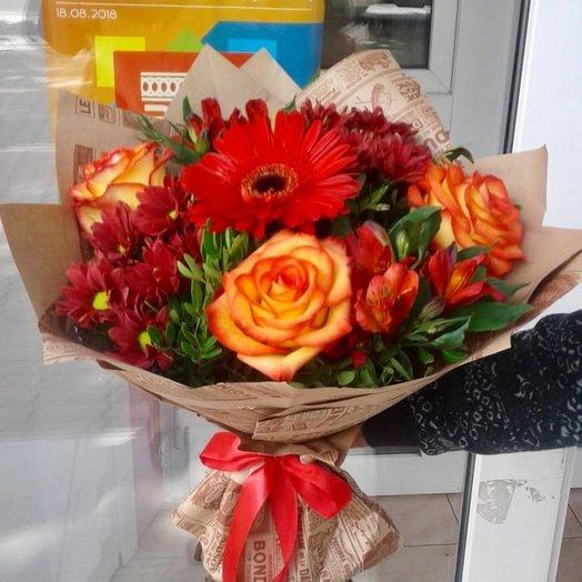 Яркий комплимент: букеты цветов на заказ Flowwow