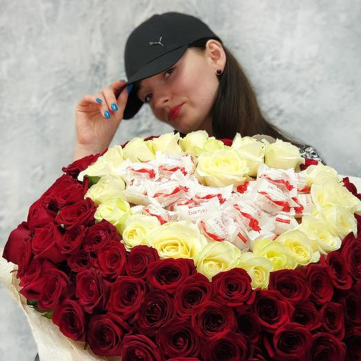 Bouquet of 101 roses heart with chocolates Raffaello: flowers to order Flowwow