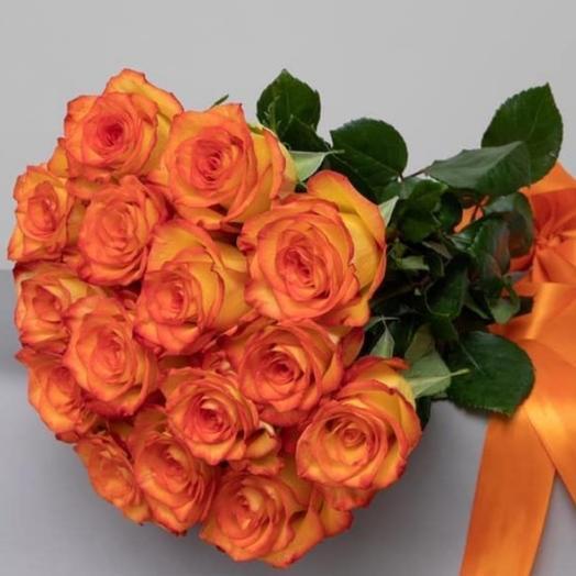 Роза рыжая: букеты цветов на заказ Flowwow