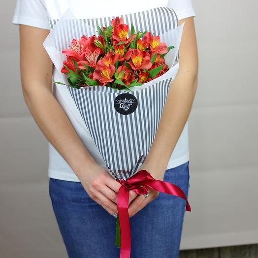 5 красных альстромерий: букеты цветов на заказ Flowwow