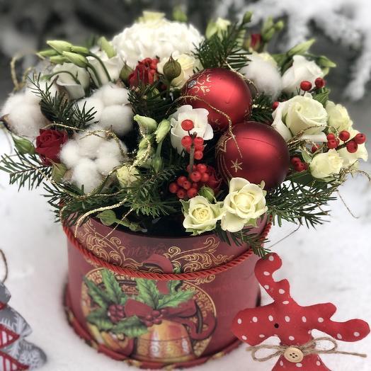 Цилиндр зимний «С Новым Годом»: букеты цветов на заказ Flowwow