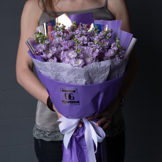 Mattiola violet: букеты цветов на заказ Flowwow