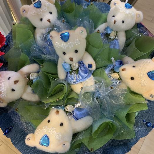 Букет из мягких игрушек-мишки: букеты цветов на заказ Flowwow