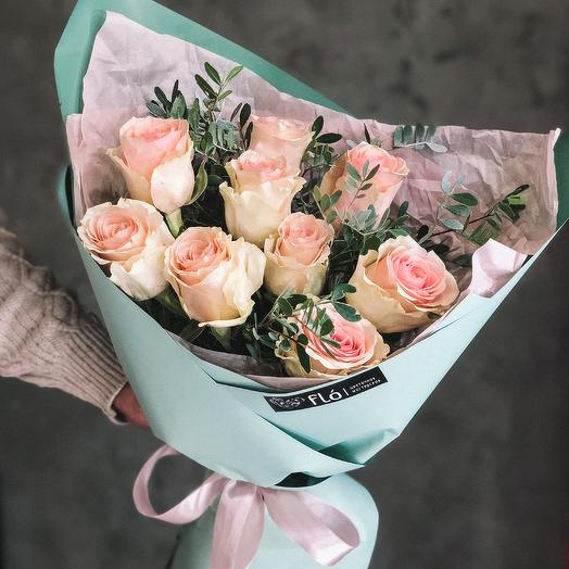 Букет из 9 роз сорта Frutteto
