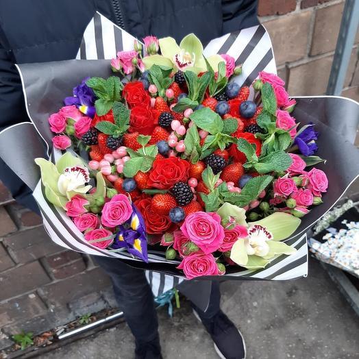 Букет из ягоды: букеты цветов на заказ Flowwow