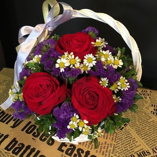 Красочная корзина: букеты цветов на заказ Flowwow