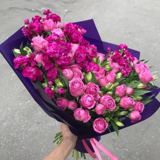 Сочный букет в розовой гамме: букеты цветов на заказ Flowwow