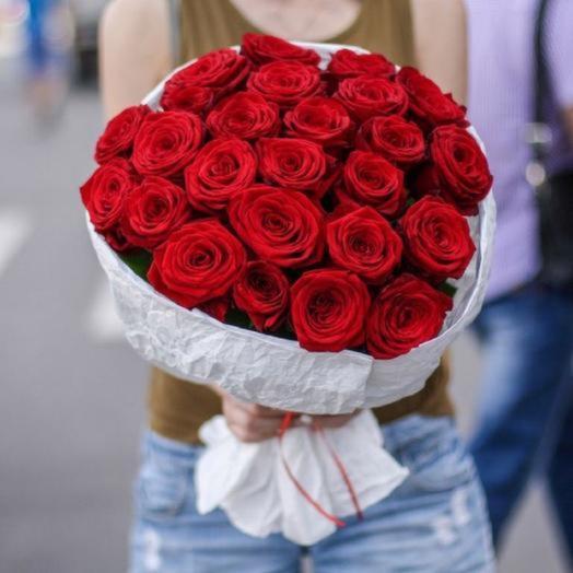 Букет 25 Восхитительных ароматных роз «Роскошная»