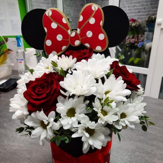 Цветы в коробке «Минни Маус»