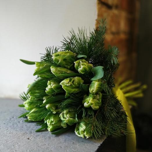 Тюльпаны 11 штук с зеленью