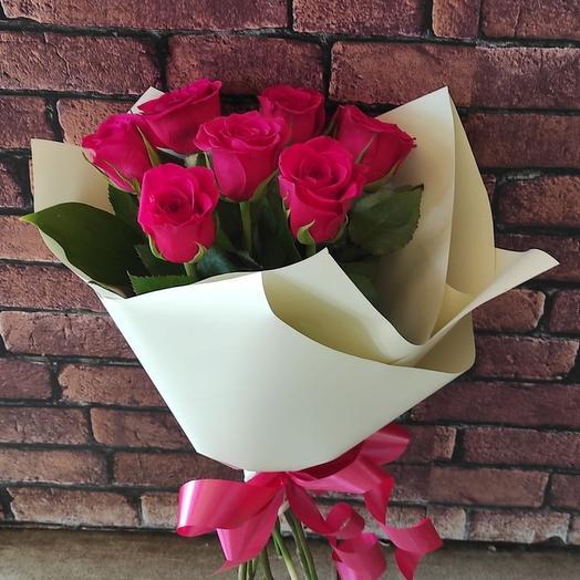7 роз в пленке