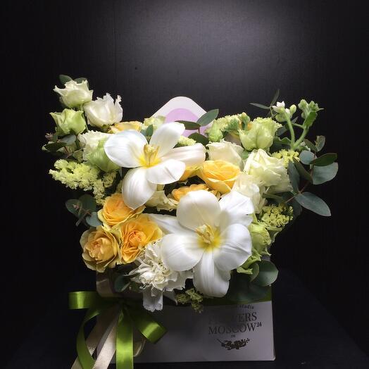 Весенний конверт цветов