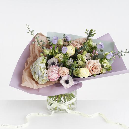 Букет пудровый из роз, гортензии, пион Purple