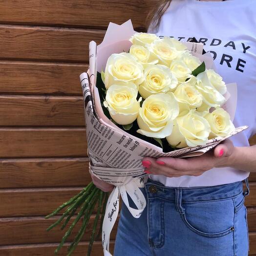 Flowers Lovers - 15 белых роз 60 см