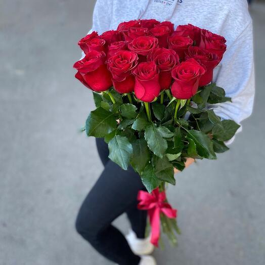Красные розы 15шт
