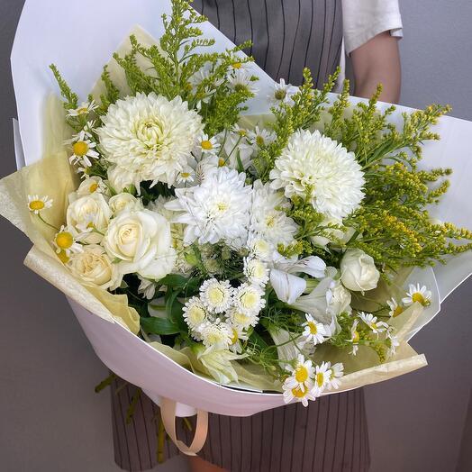 Букет из цветов «Белые Георгины»